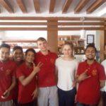 Gruppenfoto: Marcel, Mona und Bäcker des Shabri in Kathmandu