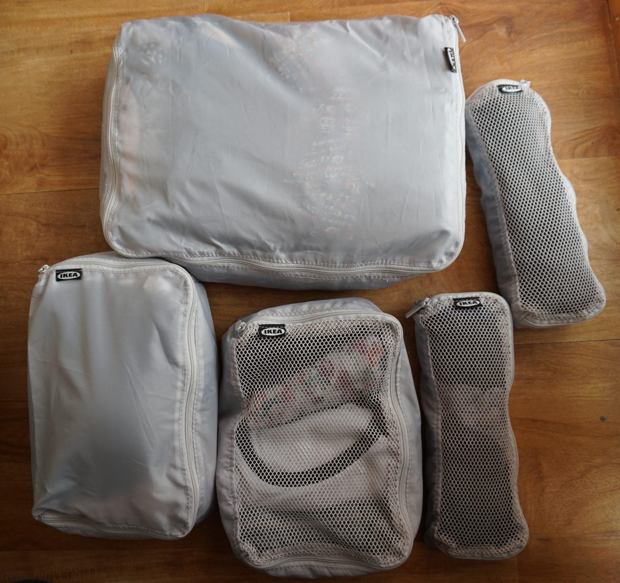 Fünf gepackte IKEA-Packtaschen