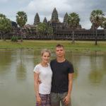 Mona und Marcel vor Angkor Wat in Siem Reap