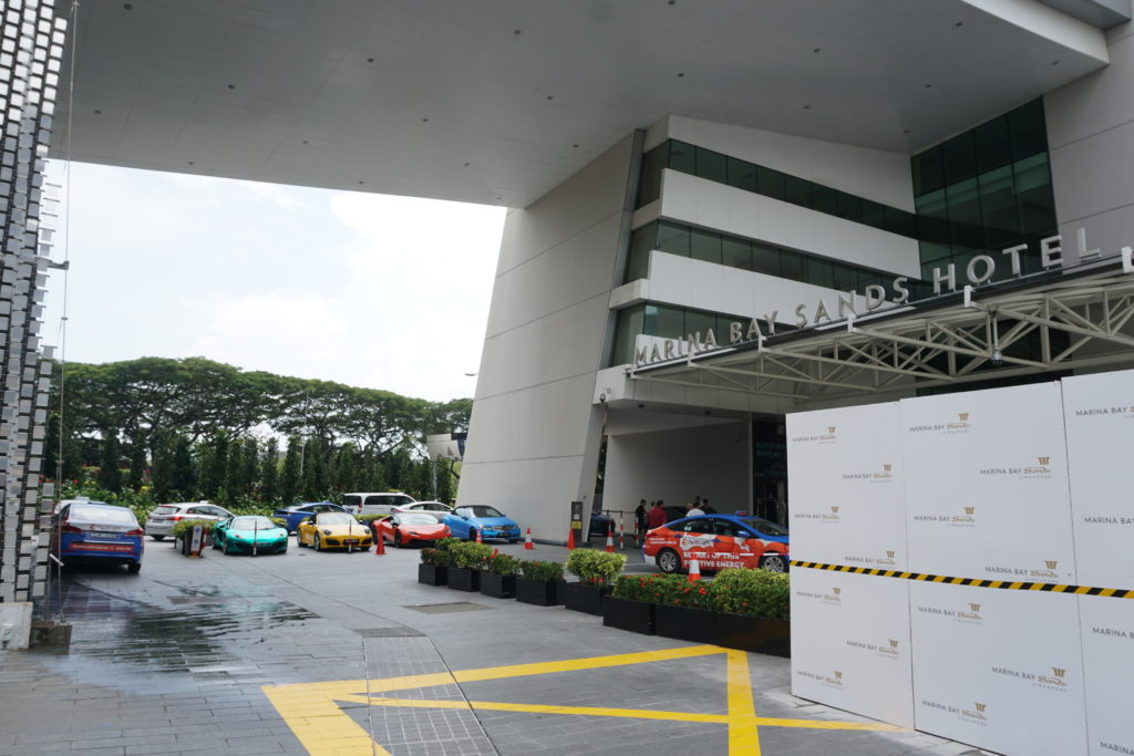 Parkplatz des Marina Sands Bay Hotels in Singapur