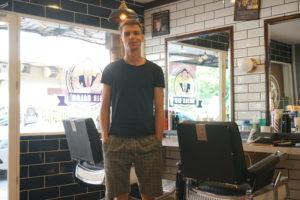 Foto von Marcel nachdem er seinen neuen Haarschnitt bekommen hat.