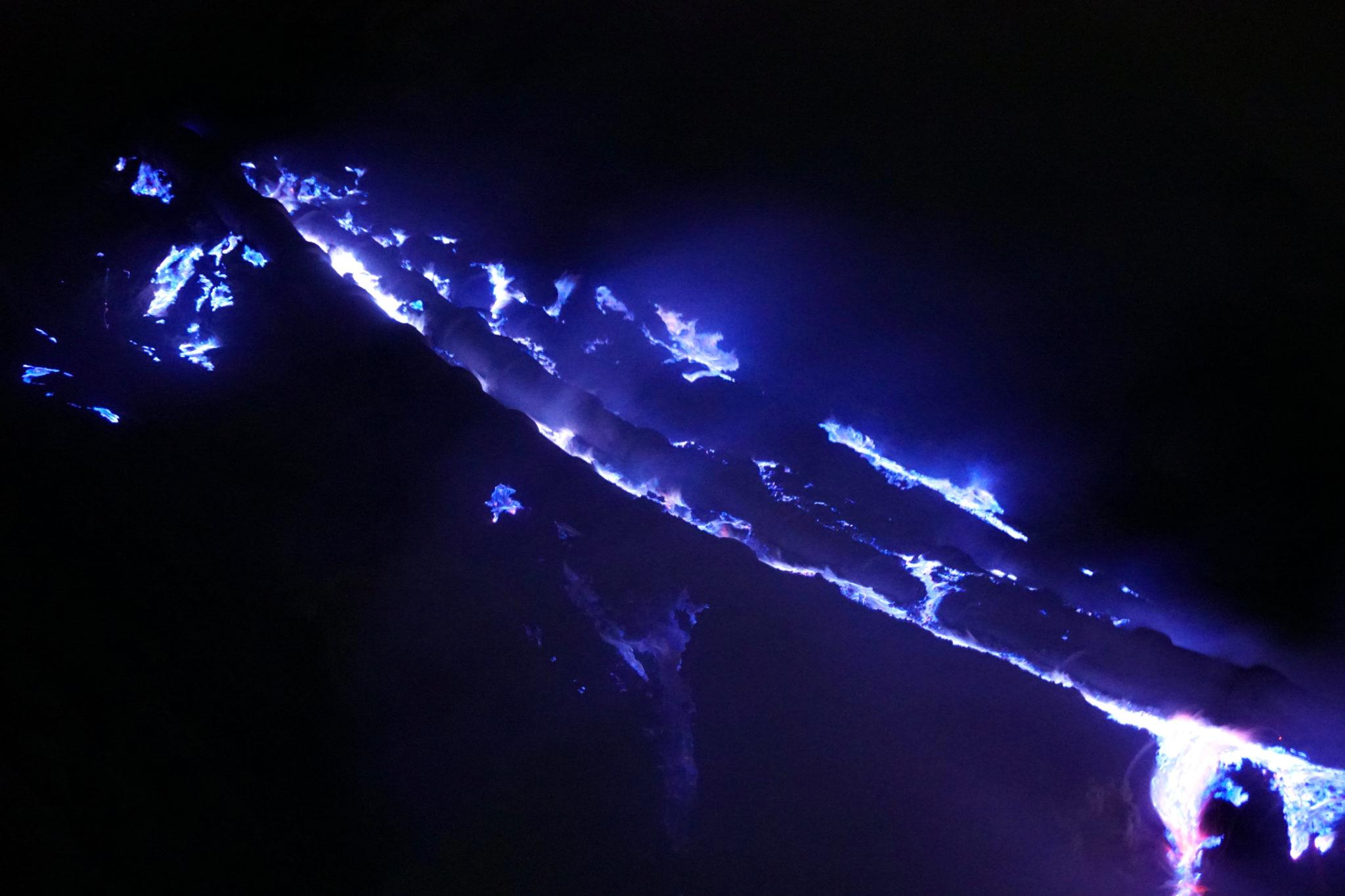 Blaues Feuer am Mount Ijen Krater