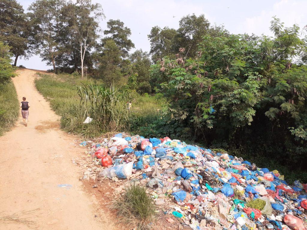 Foto einer Plastik-Müllhalde auf Batam.
