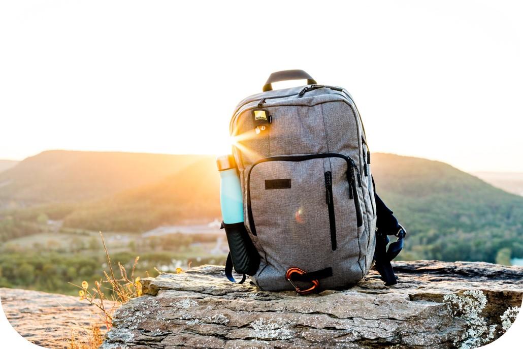 Rucksack vor Sonnenuntergang